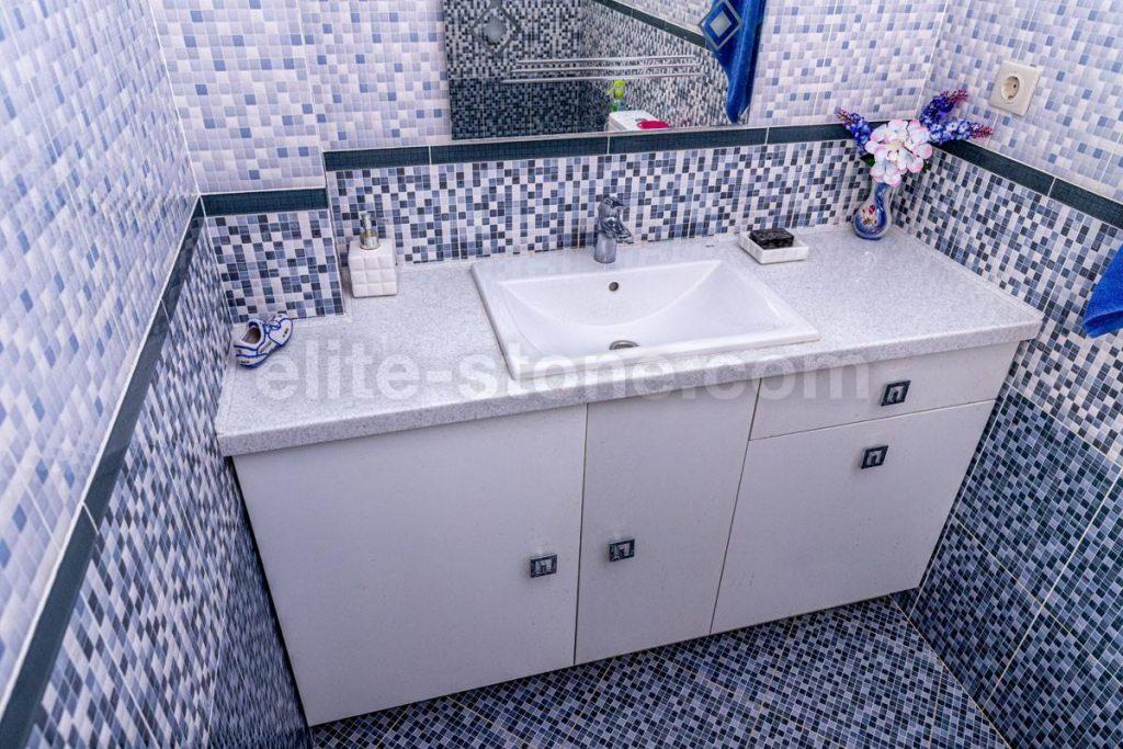 Столешница из искусственного камня Grandex в ванную комнату - фото 1