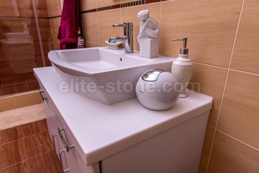 Столешница в ванную комнату с раковиной встраиваемой сверху - фото 2