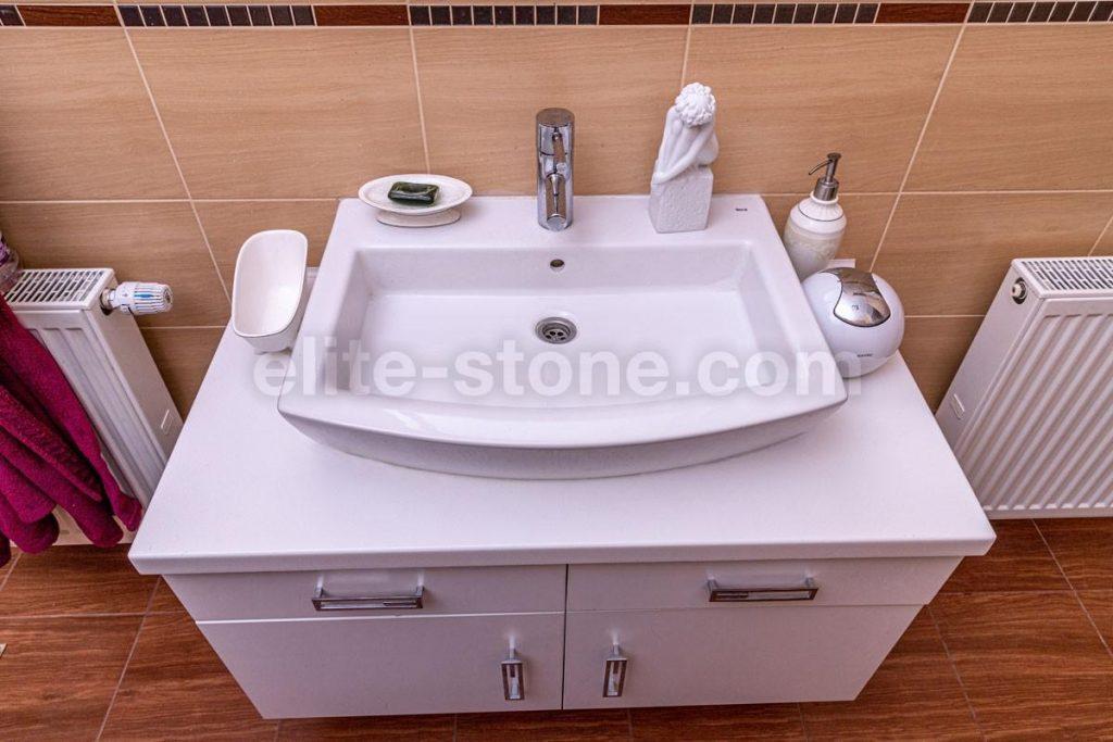 Столешница в ванную комнату с раковиной встраиваемой сверху - фото 3
