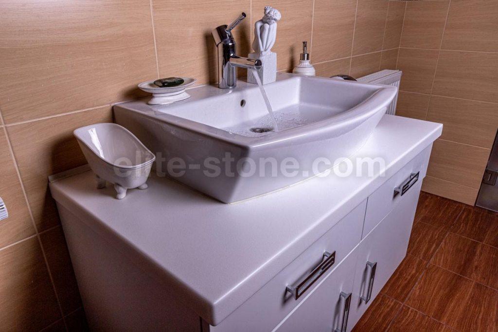 Столешница в ванную комнату с раковиной встраиваемой сверху - фото 1