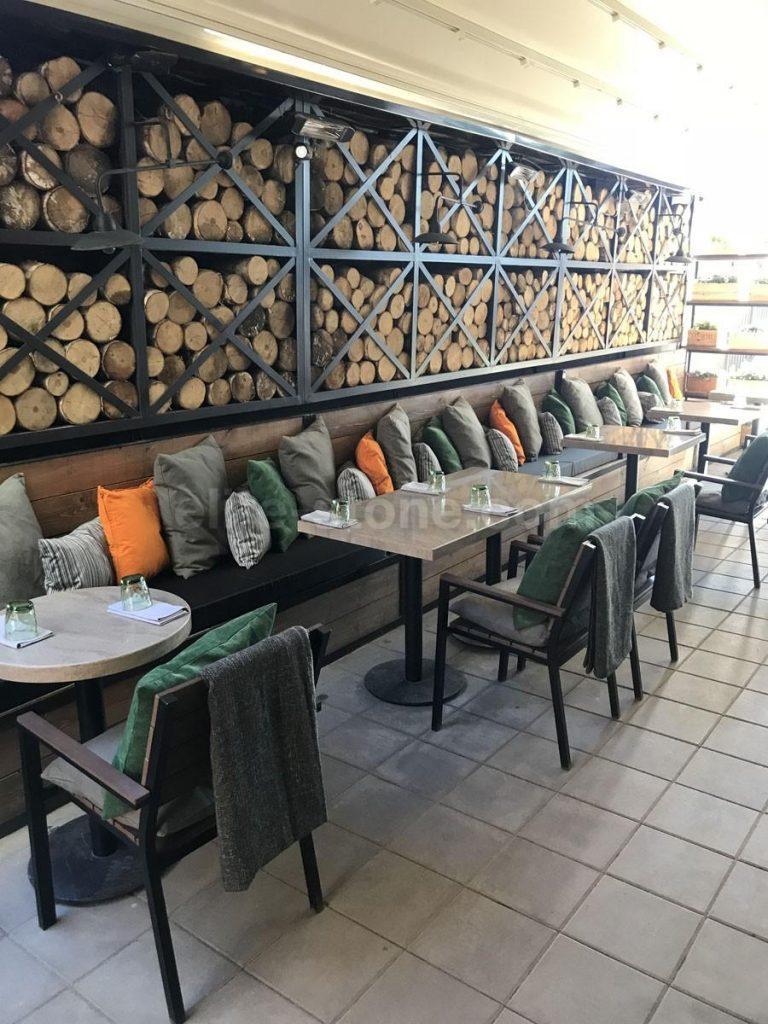 Столы из искусственного камня для ресторана Grill&Garden - фото 1