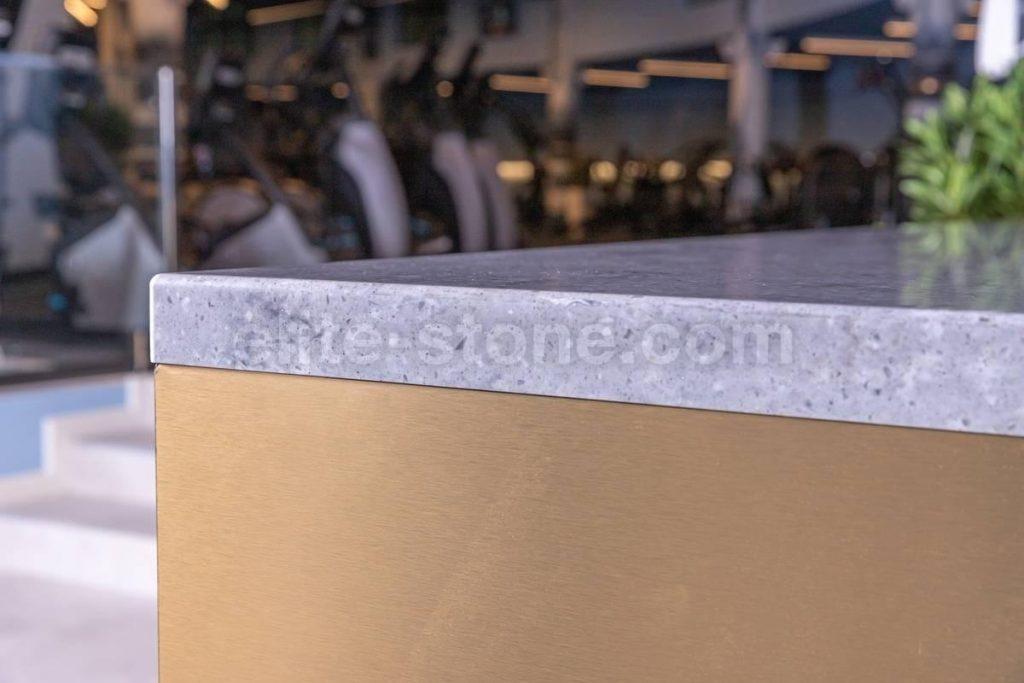 Барная стойка из искусственного камня в фитнес-клубе - фото 11