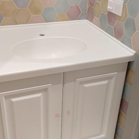 Столешница с интегрированной раковиной для ванной из камня LG Hi-Macs P001 - фото 7