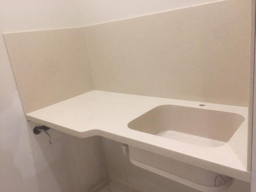 Столешница, подоконник, стеновая панель для ванной из камня Grandex - фото 1