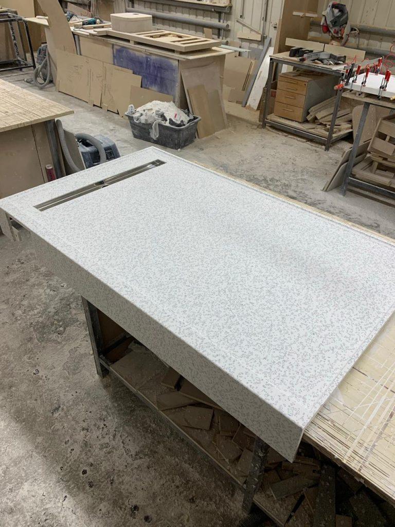 Душевой поддон из искусственного камня Staron QD212 Mosaic Dalmatian - фото 2