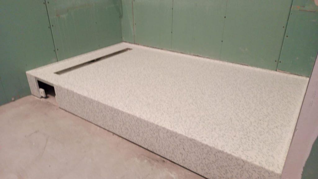 Душевой поддон из искусственного камня Staron QD212 Mosaic Dalmatian - фото 1