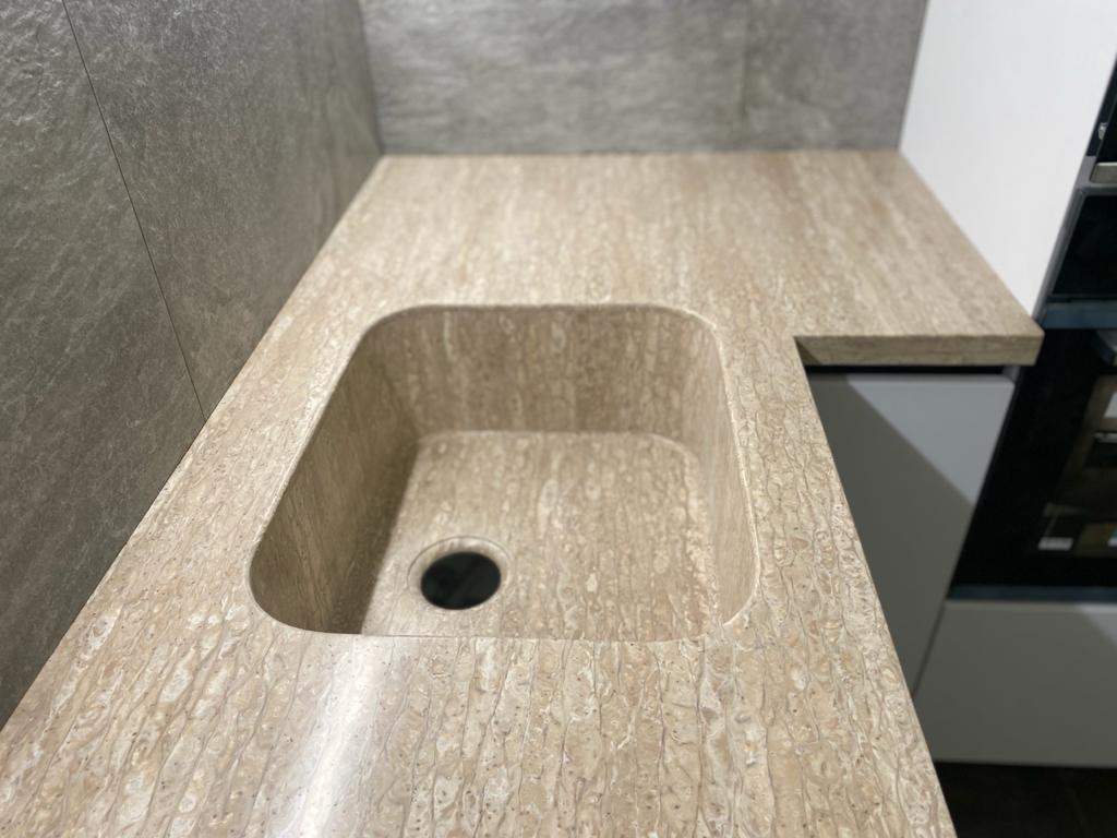 Г-образная столешница с интегрированной мойкой, столешница и стол для ванной - фото 1