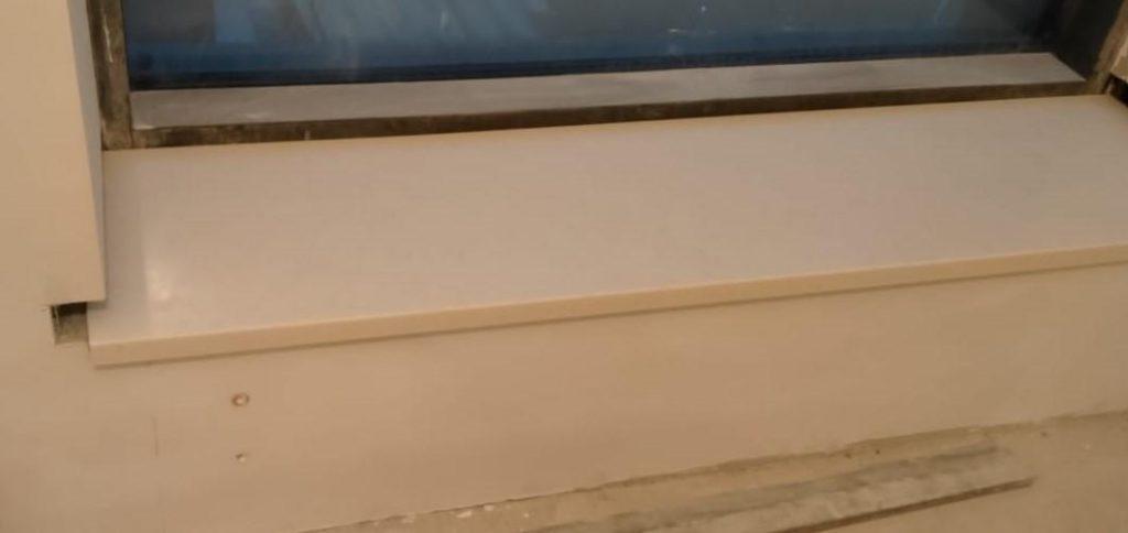 Бежевые подоконники из искусственного камня Staron SM421 Sanded Cream (2 шт.) - фото 1