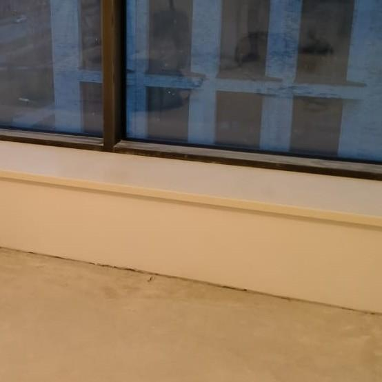 Бежевые подоконники из искусственного камня Staron SM421 Sanded Cream (2 шт.) - фото 7