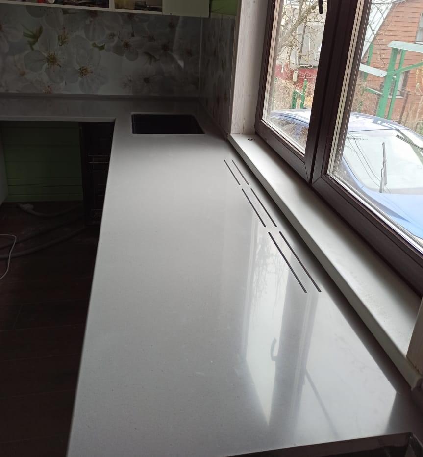 Кухонная Г-образная столешница из искусственного камня Tristone - фото 4