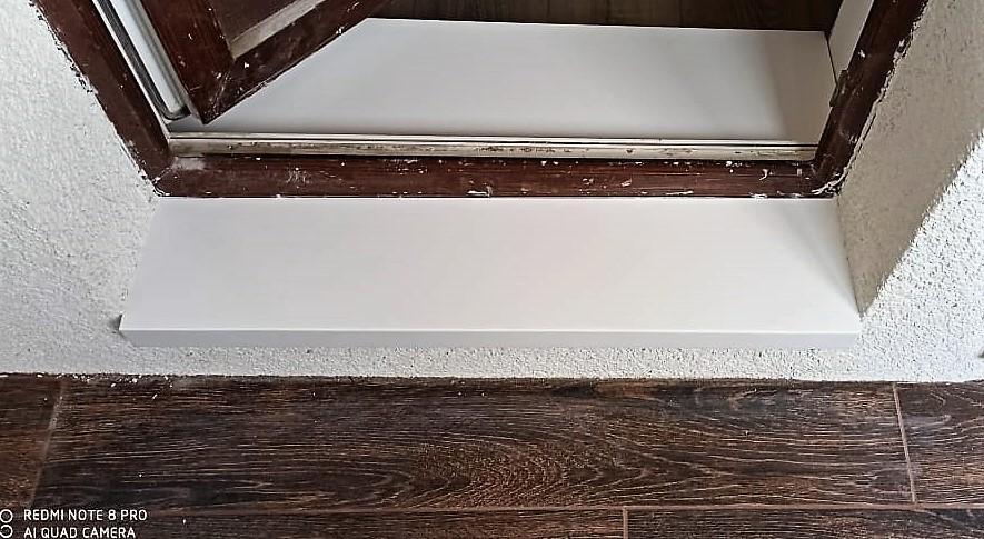 3 порога и 2 полки для ванной из искусственного камня Grandex - фото 3