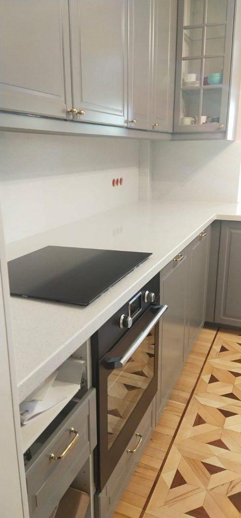Белая Г-образная столешница для кухни из камня Grandex  A-423 Industrifl Draft - фото 4