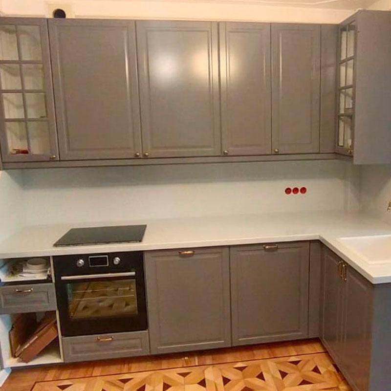 Белая Г-образная столешница для кухни из камня Grandex  A-423 Industrifl Draft - фото 12