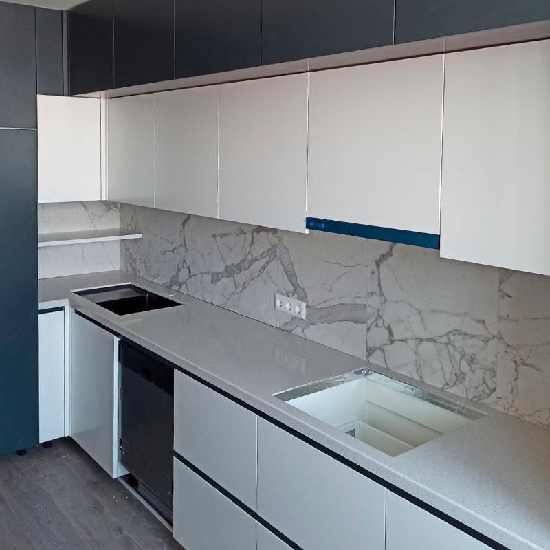 Г-образная столешница для кухни из искусственного камня Grandex E-609 Business Tokio - фото 6