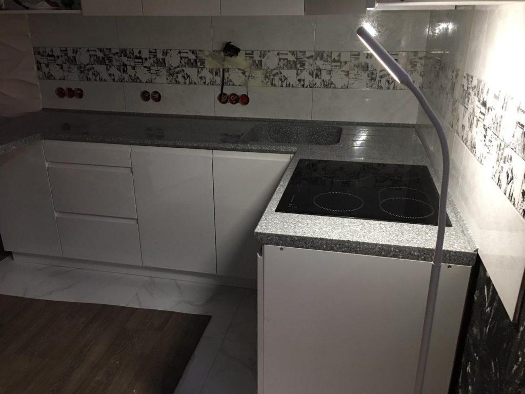П-образная столешница для кухни с интегрированной мойкой из искусственного камня Grandex - фото 2