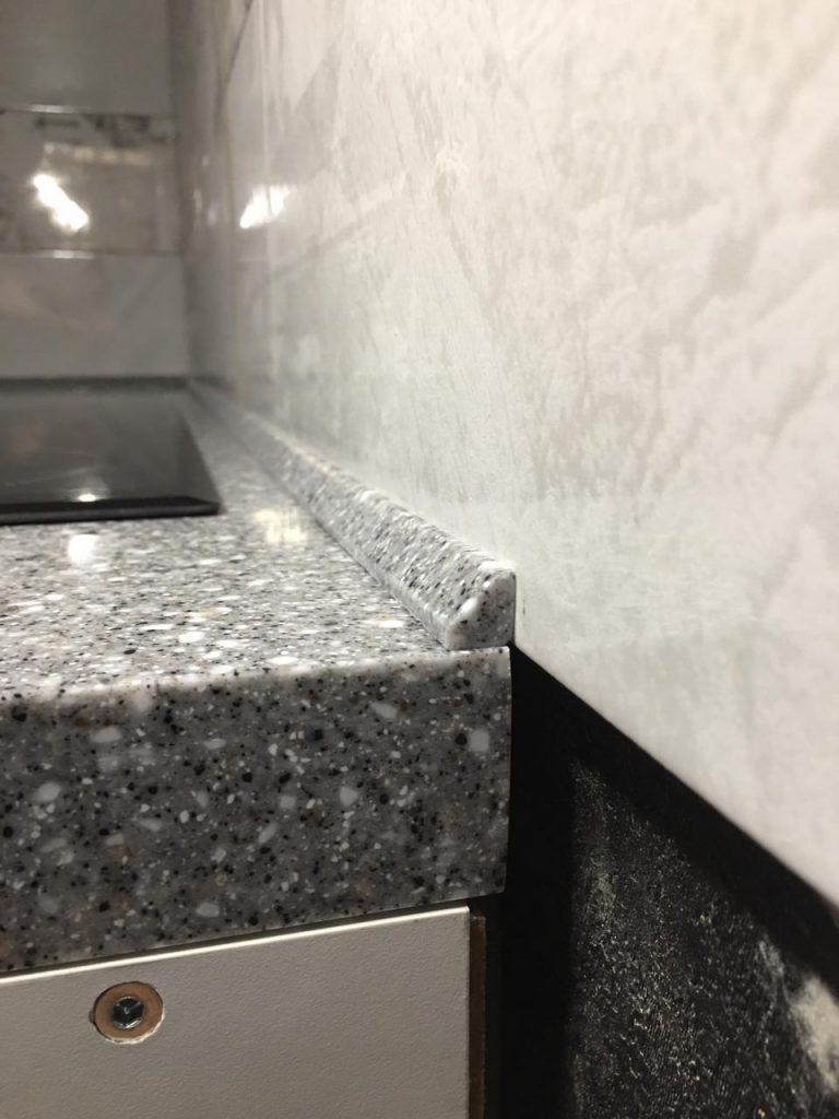 П-образная столешница для кухни с интегрированной мойкой из искусственного камня Grandex - фото 5