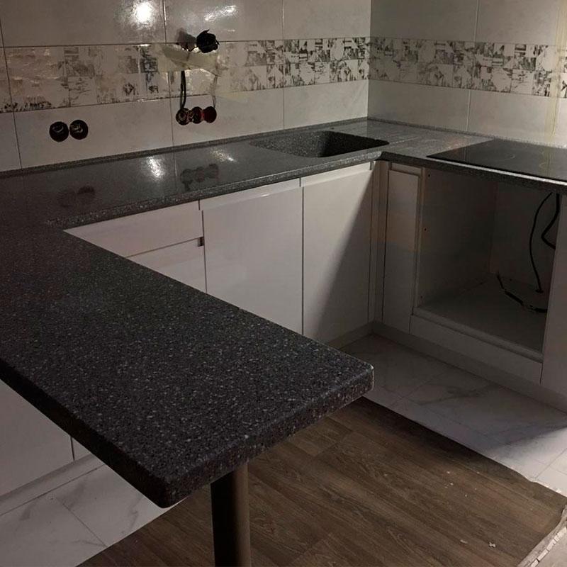 П-образная столешница для кухни с интегрированной мойкой из искусственного камня Grandex - фото 7