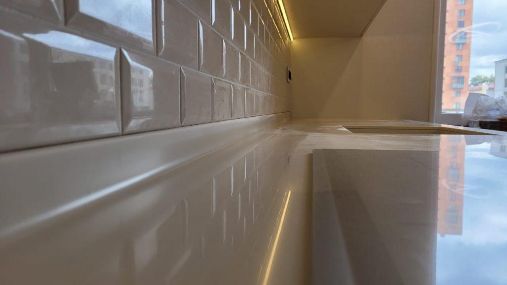 Столешница для кухни с интегрированной мойкой из искусственного камня Grandex P-102 Pure Beige - фото 4