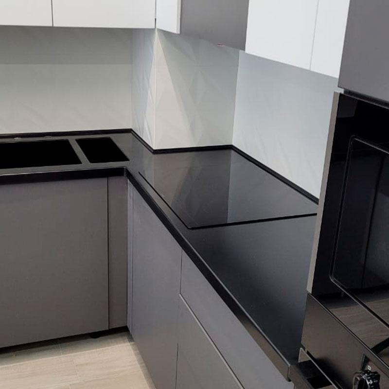 Угловая столешница для кухни с интегрированной мойкой и фруктовницей из камня Grandex - фото 1